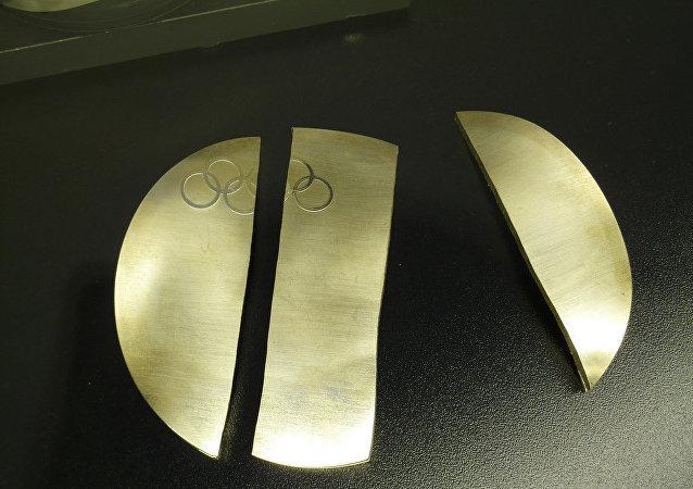 北京奥运会3名中国举重金牌得主和2名俄铜牌得主因药检呈阳性被禁