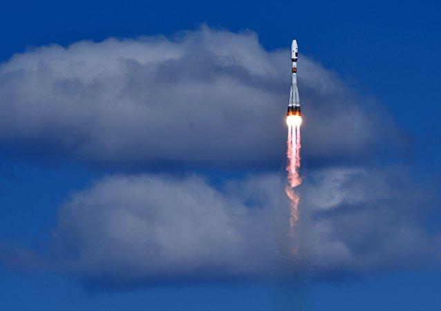 俄东方航天发射场首次火箭发射进行(视频)