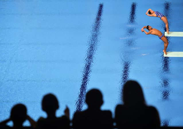 中国运动员施廷懋在国际泳联跳水世界系列赛俄罗斯喀山站跳水女子3米板决赛中获胜