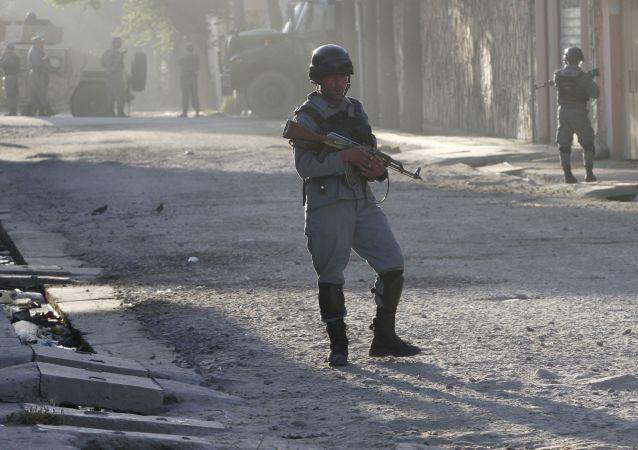 塔利班称使用火箭弹袭击喀布尔机场针对的是美防长