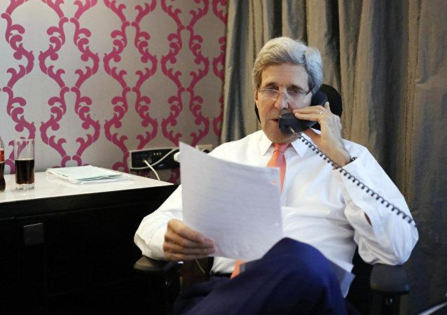 美国务卿与联合国特使及叙反对派最高谈判委员会主席进行电话交谈