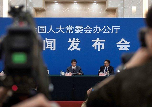 西方猛批中国NGO活动管理法