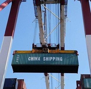 专家:美国被迫从中国进口更多高科技设备