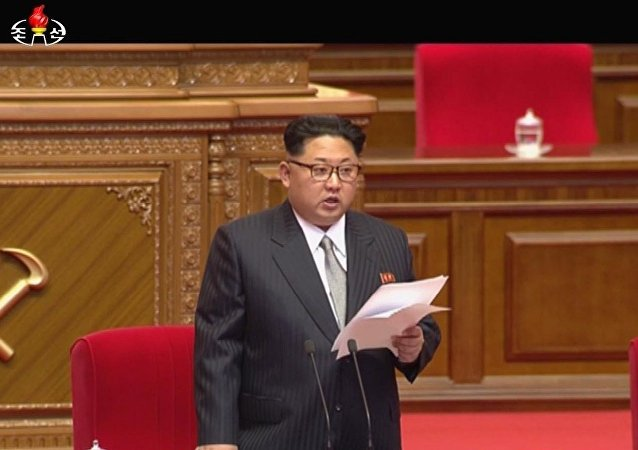 媒体:朝鲜领导人金正恩穿西装扎领带出席党代会