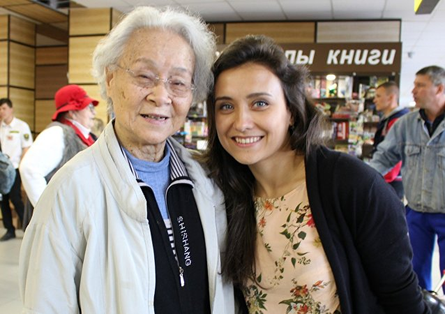 刘爱琴与他的孙女玛尔加丽塔