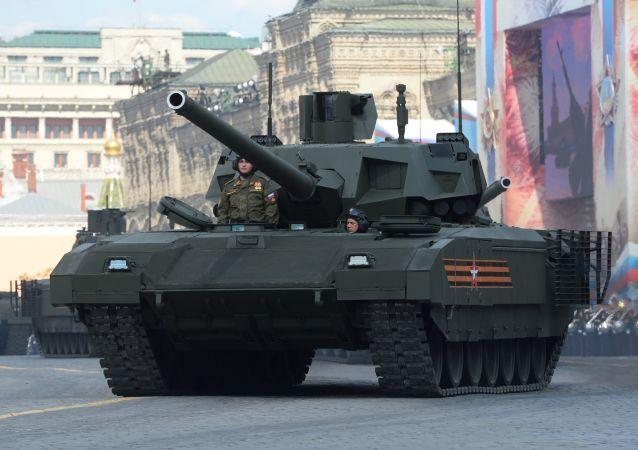 """俄罗斯""""T-14""""坦克"""