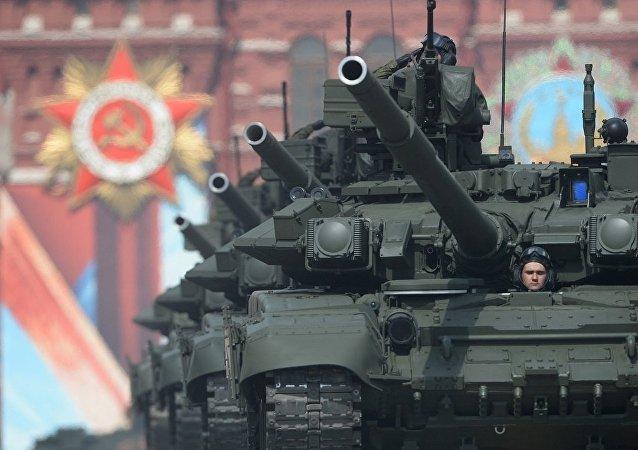 媒体:红场阅兵式耗资3亿卢布