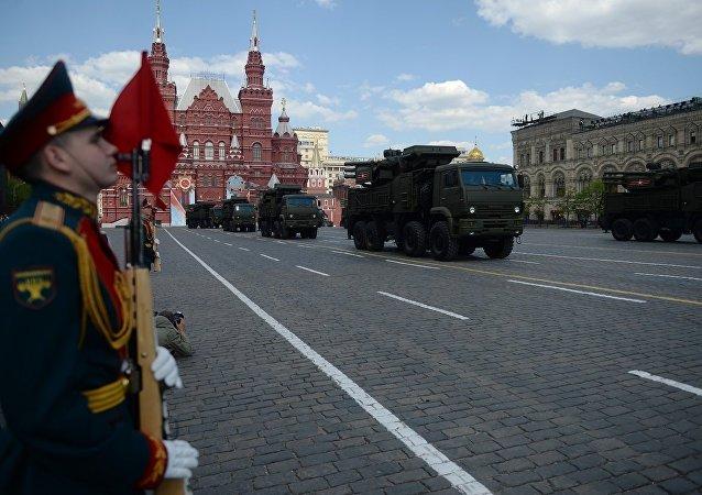 俄罗斯新型舰载版铠甲ME弹炮合一防空系统获得出口许可