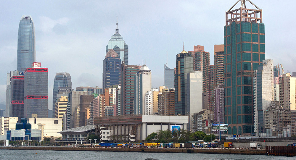 香港法院判处2016年大骚乱的两名参与者3年徒刑