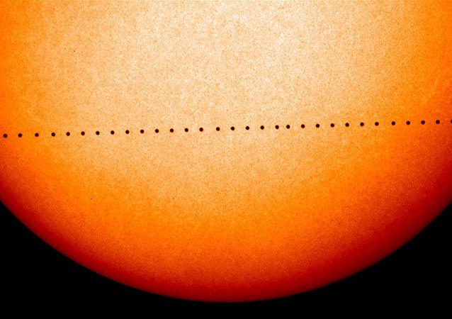 科学家在太阳上发现罗斯贝波