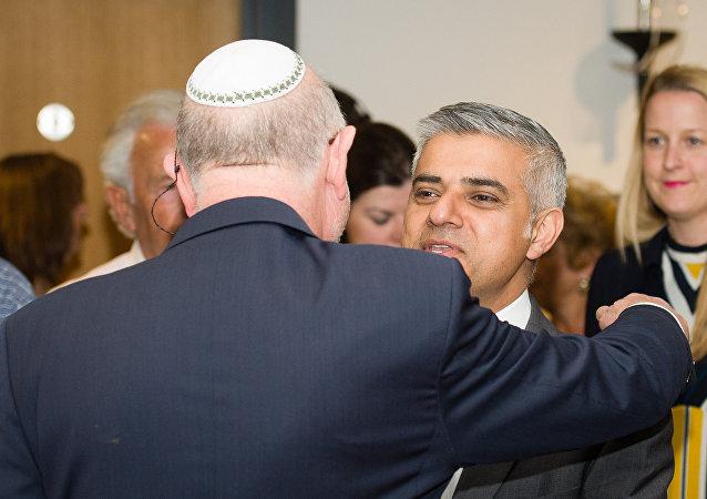 伦敦新市长萨迪克·汗