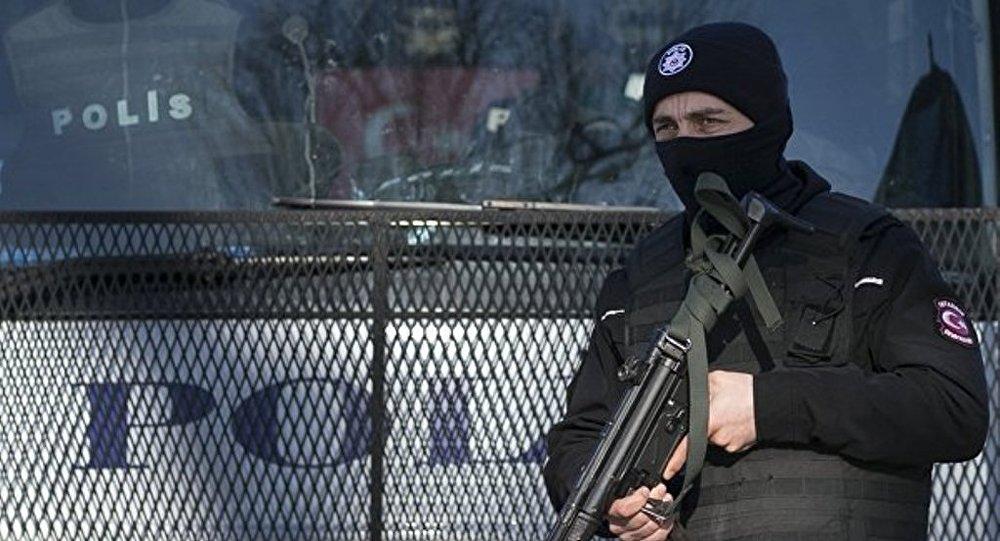 """媒体:一疑似""""伊斯兰国""""成员在伊斯坦布尔杀警后被击毙"""