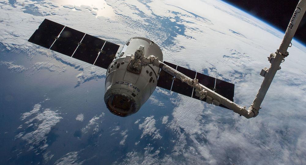 「龍」貨運飛船將攜帶活鼠從國際空間站返回地球