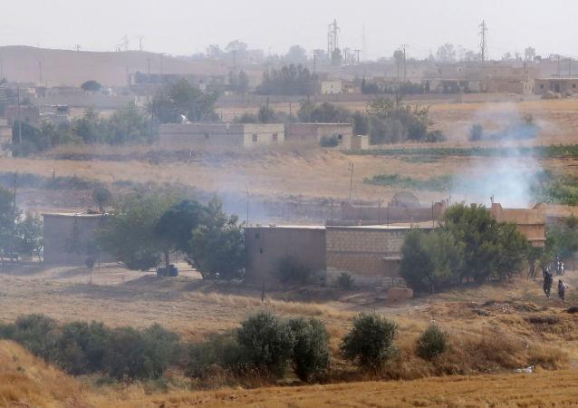 """库尔德斯坦爱国联盟媒体中心称,库尔德人开始了打击""""伊斯兰国""""的行动"""