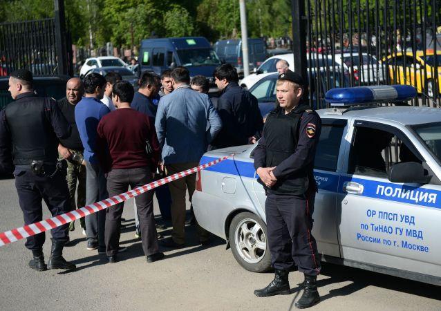 俄塔两国内务部长讨论莫斯科陵园群殴事件