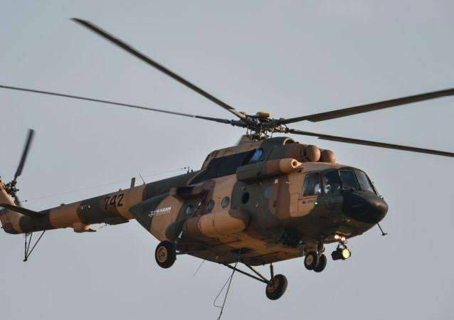 米17-1B型直升机