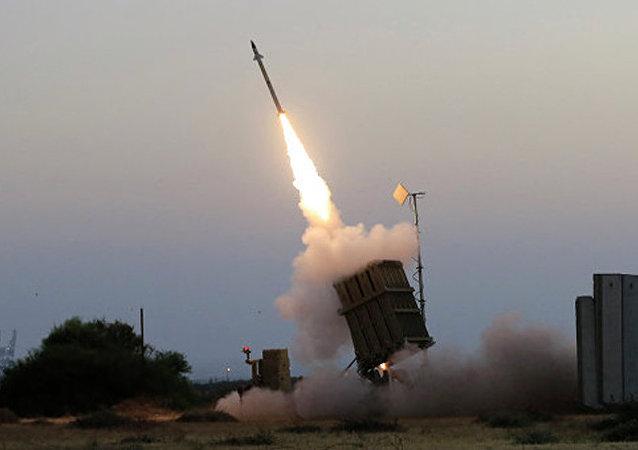 以色列空军空袭加沙地带巴勒斯坦武装组织目标以回应火箭弹袭击