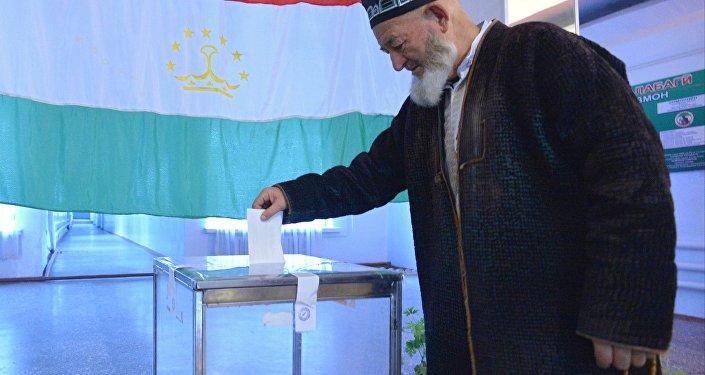 約30%塔吉克斯坦民眾贊成就修訂憲法舉行全民公決