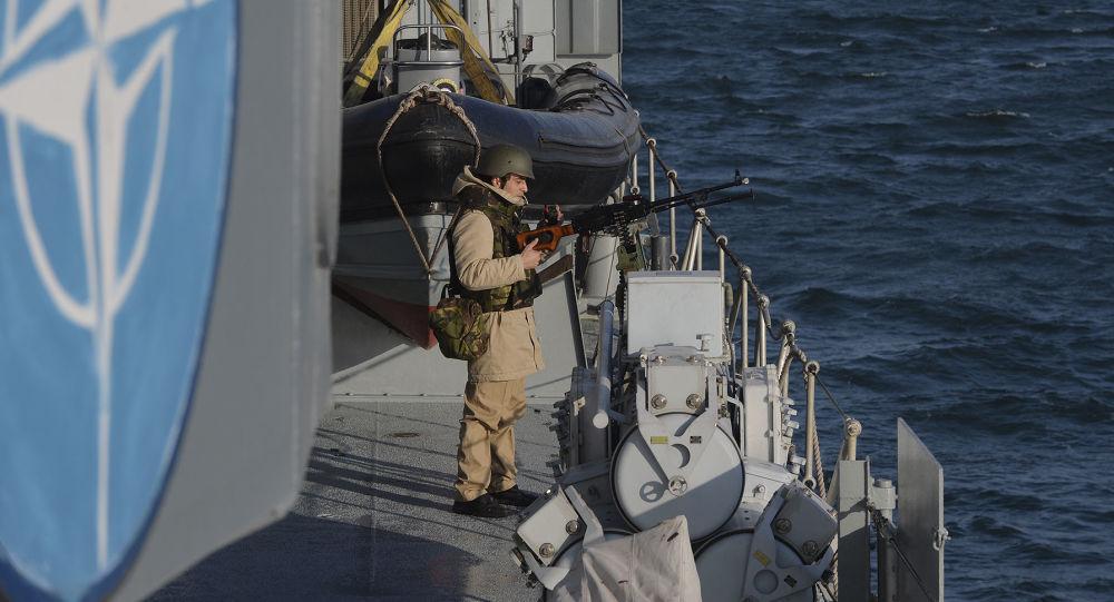 兩艘北約護衛艦抵達赫爾辛基