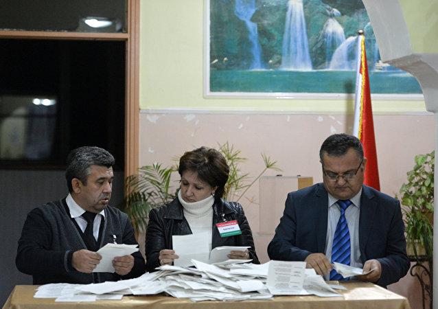 中央选举委员会称塔吉克斯坦全民公投有效 投票率66%