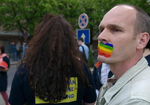 摩尔多瓦首都同性恋游行遭遇民众抵制