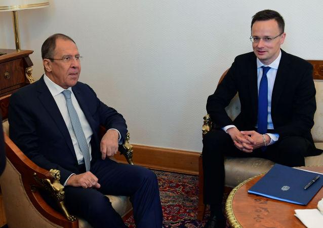 匈牙利外长:匈反对自动延长对俄制裁