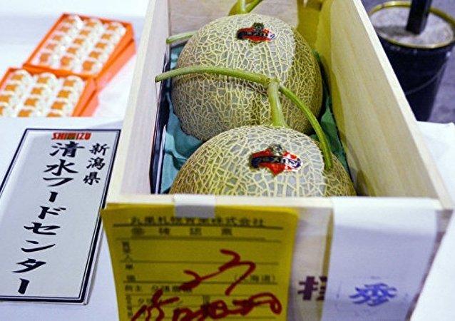 日本超市老板拍下天价甜瓜欲转卖