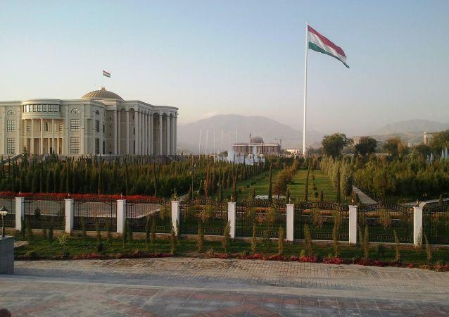 塔吉克斯坦外交部否认塔利班坦克在该国境内维修