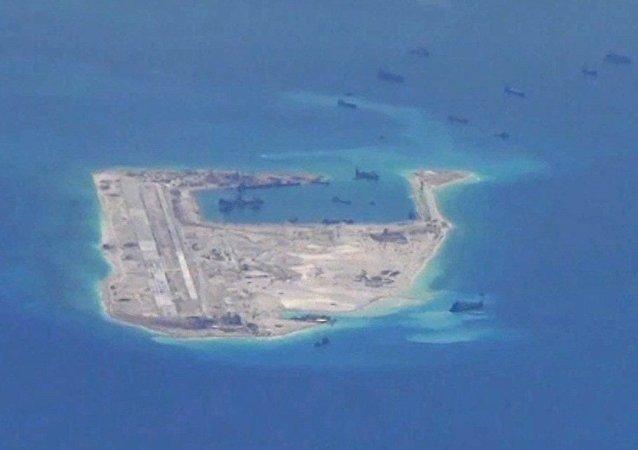 五角大楼:中国在南海上空拦截美机违背两国协议