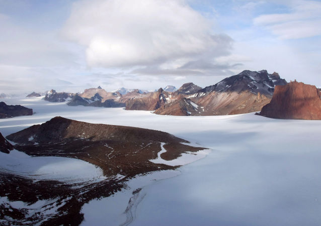 南大西洋南极洲附近海域发生7.3级地震