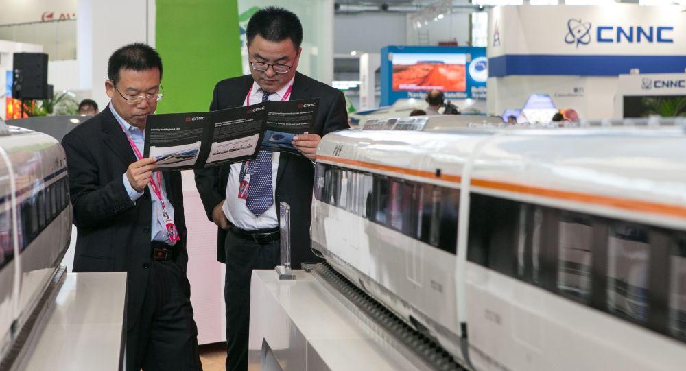中国外长:中方建设的肯尼亚蒙内铁路将于2017年建成