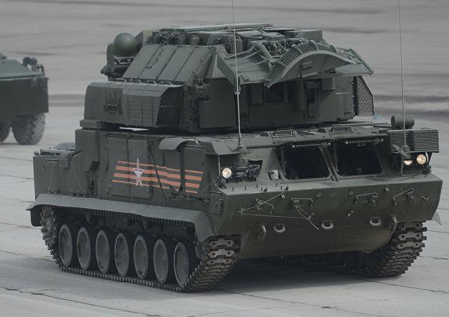 """俄罗斯军队将在2016年获得两部独一无二的""""道尔-M2""""防空导弹"""
