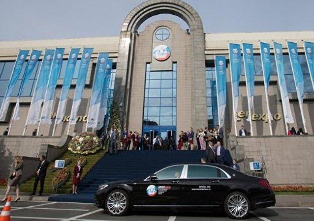 乌沙科夫︰60个国家的500家公司将参加2016年圣彼得堡论坛