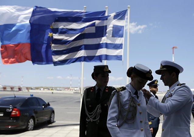 希腊副外长:雅典反对自动延长对俄制裁