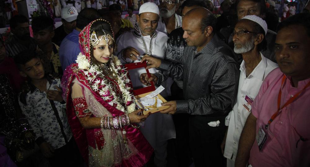 """逾5万印度穆斯林要求禁止""""立即离婚""""的做法"""