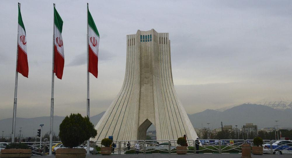 媒体:美国在本国人质获释后才允许伊朗取走4亿美元现金