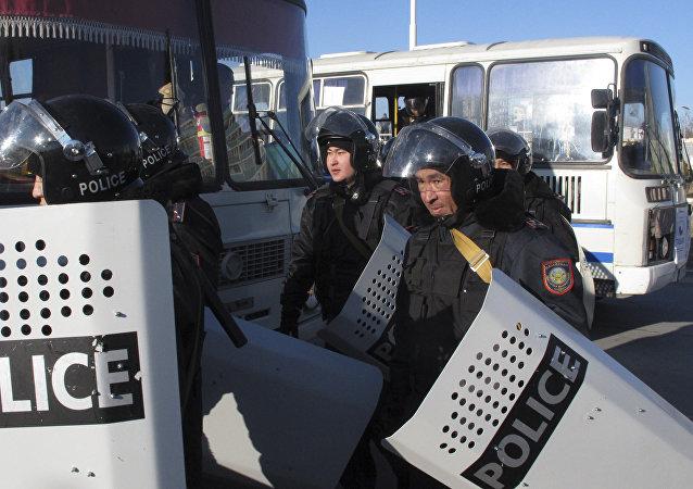 哈萨克斯坦警方在阿克托别反恐行动中再消灭5名极端分子 拘留2人