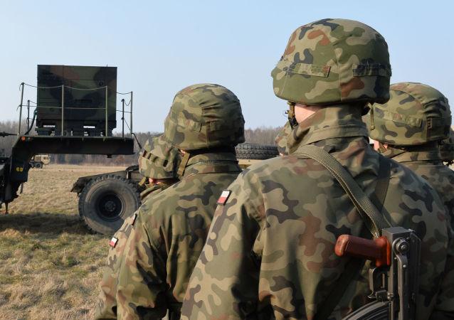 """白俄外长:北约在东欧部署部队是""""挑战"""""""