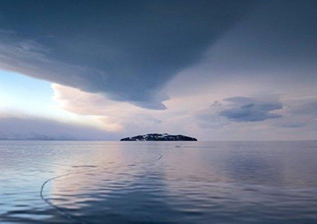 俄总理承诺与蒙古国讨论兴建水电站或伤害贝加尔湖的问题