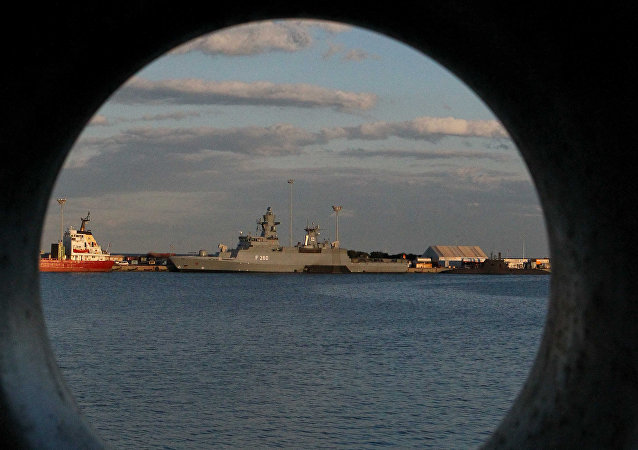 媒体:英国最新型驱逐舰在温水区失灵