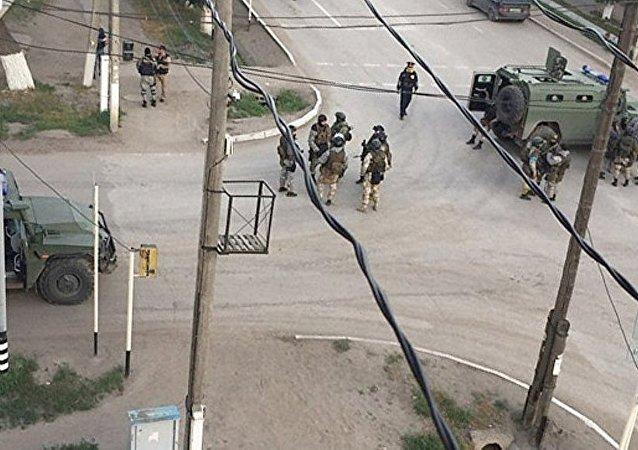 媒体:哈萨克斯坦在阿克托别采取反恐专项行动 居民已被疏散