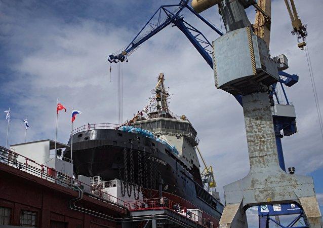 俄海军计划在2018年获首艘北极破冰巡逻船
