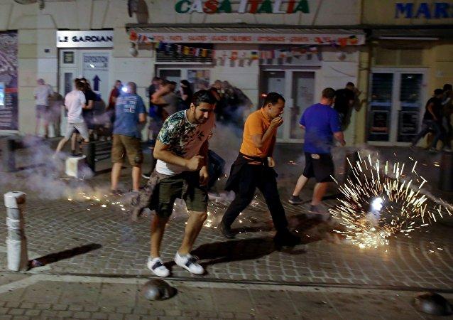 媒体:马赛骚乱伤者人数增至35人
