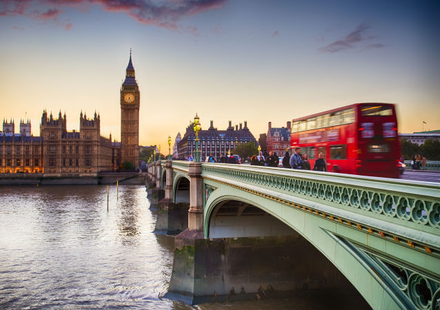媒体:7.7万非英公民非法签署举行二次英国脱欧公投请愿书