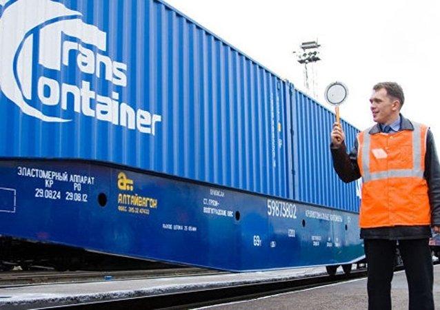 俄运输集装箱公司6月14日与阿里巴巴集团签署物流服务合同