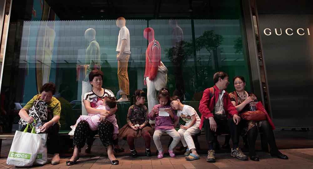 调查:中国游客使俄罗斯奢侈品市场稳定下来