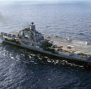 重型载机巡洋舰库兹涅佐夫号一炮就能将敌舰击沉