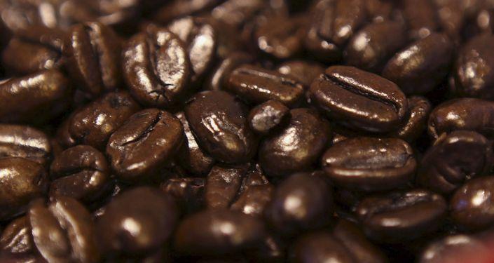 喝咖啡不会导致患癌风险,热烫饮料或导致食道癌