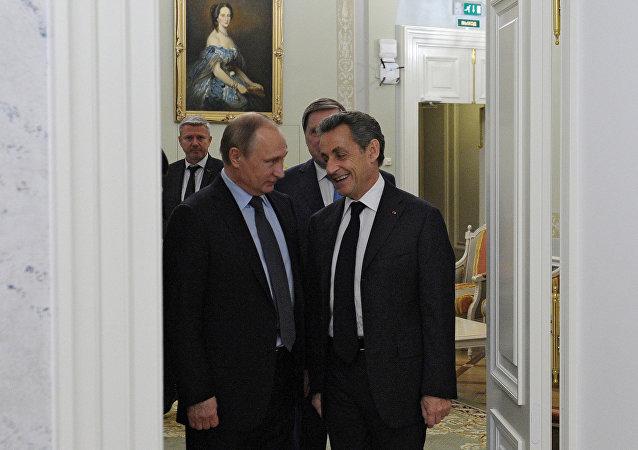 俄罗斯总统普京与法国前总统萨科齐