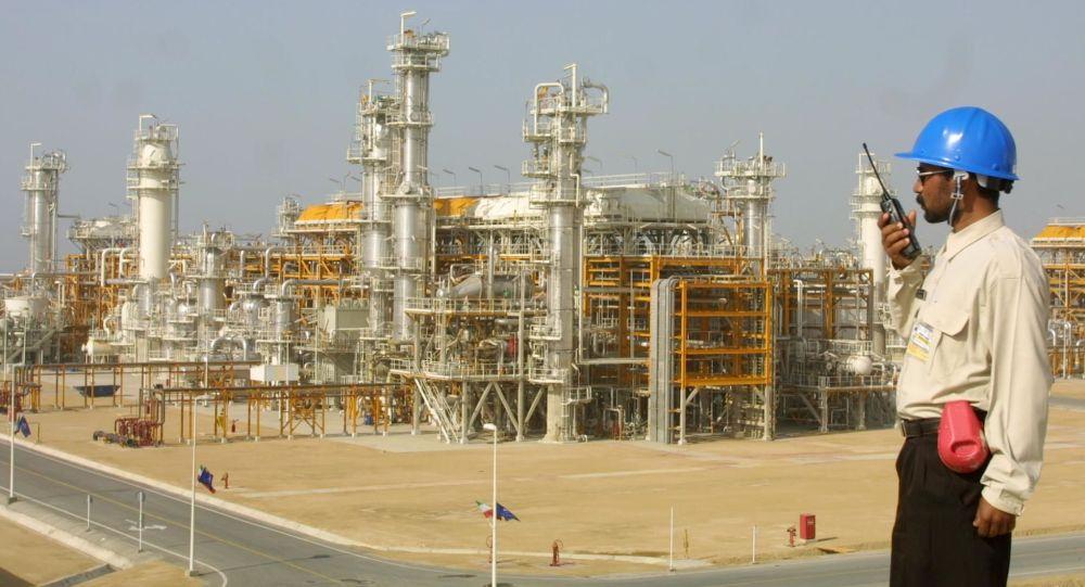 伊朗对亚洲一些国家的石油出口量增加一倍